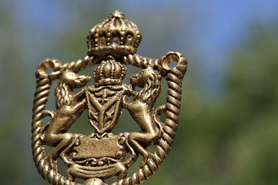Cool vintage LION crest hook hanger Royal Crest and Crown with Brass Lions