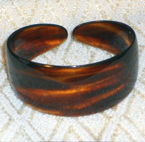 Vintage tortoise shell cuff bracelet a real faux beauty for Real tortoise shell jewelry