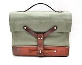 vintage Swiss Army green canvas bag // iPad - Kindle - Lunch Tote  // handbag