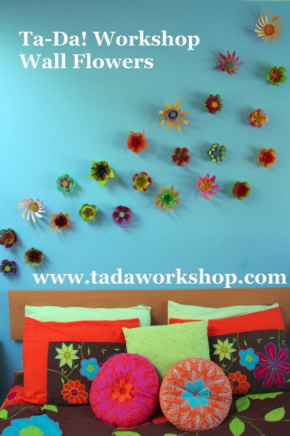 Recycled plastic wall flowers set of 5 indoor or outdoor for Outdoor wall flowers