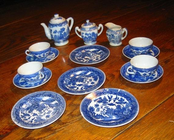 Vintage Blue Willow Tea Set 6 Complete 17 piece set