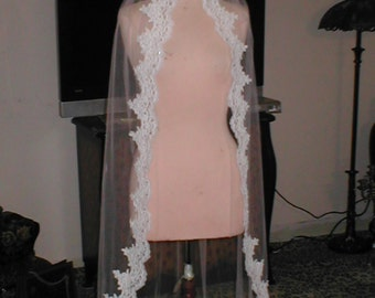 Vintage White fingertip length Alencon Lace Mantilla Bridal Veil Headpiece