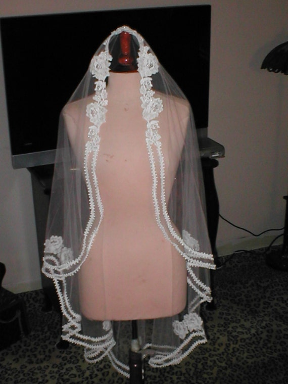 Vintage White Lace Mantilla Bridal Veil
