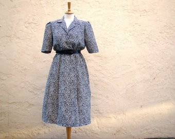 Vintage / Black and White / Short Sleeve / Day Dress / SMALL