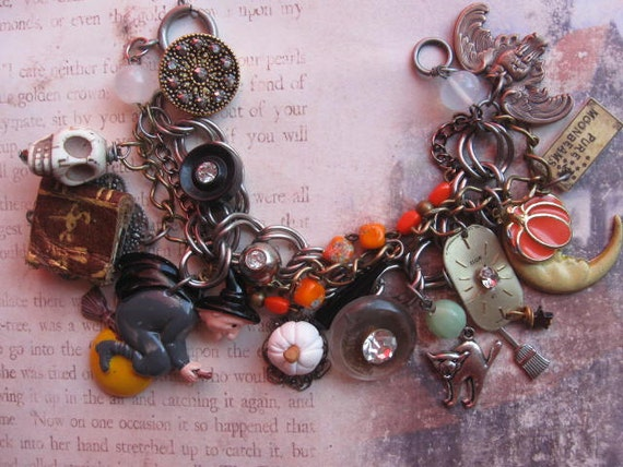 WiTcHeS NiGhT OuT.vintage halloween steampunk charm bracelet