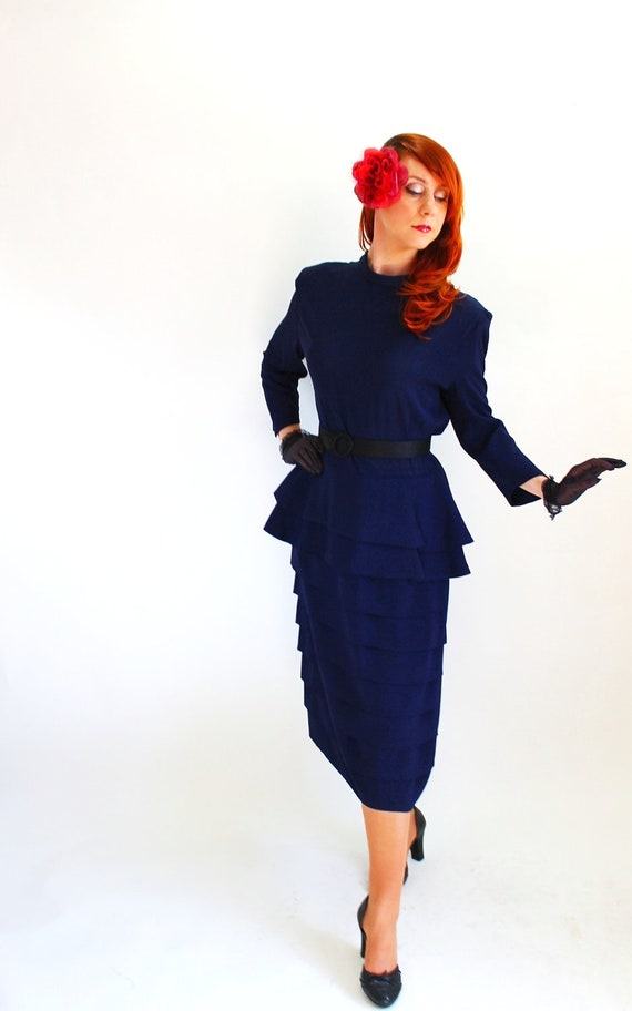 40% Off Sale - Vintage 1940s Navy Cocktail Dress. Peplum. Art Deco. Weddings. Bridesmaid. Holiday Party Dress. Fall Fashion. Size Large