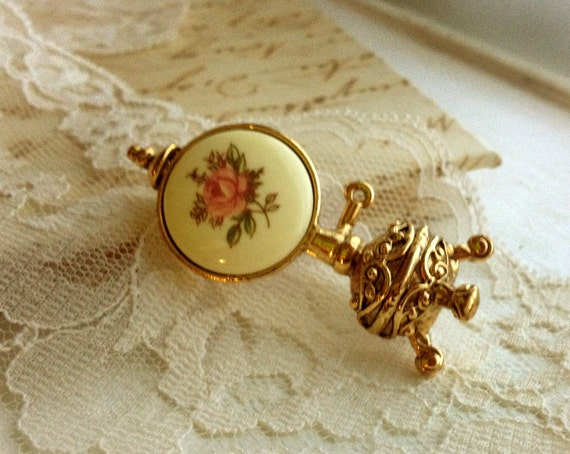 Oil Lamp Style Rose Cameo Brooch