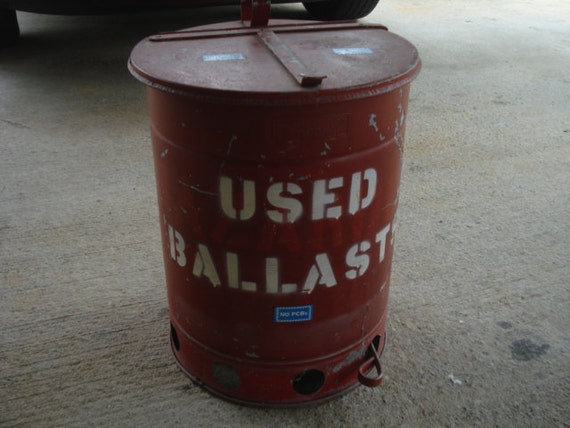 Vintage Metal Flip Top Industrial Mechanics Machine Shop Trash Waste Can Used Ballasts