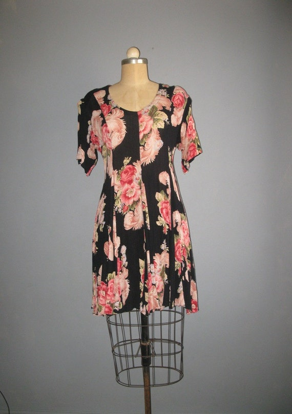 SALE 80s 90s black floral sweep skirt babydoll / full skirt / as is /m