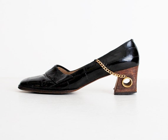 Size 7 Vintage 60s MOD Ferragamo Black Croc Embossed Leather Loafers 37