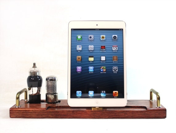 iPad Mini - iPad 4 - iPhone 5 -- Combo Docking Station - New Lighting Plug - Tube Model Steampunk -  Vintage Radio look