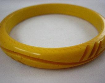 Vintage Butterscotch Bakelite Bangle Bracelet .....2382