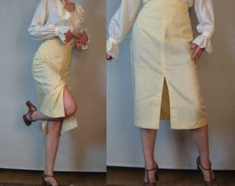 60s 70s BANANA CREAM TEXTURED Nubby Rayon Blend vtg Pencil Wiggle Secretary Midi Skirt Small s/m 1960s 1970s
