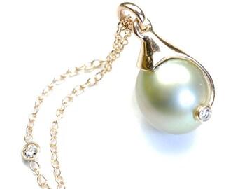 Pearl Necklace, Diamond Necklace, Tahitian Pearl, Green Tahitian Pearl, Pearl and Diamond Necklace, Gold, OOAK, Nixin