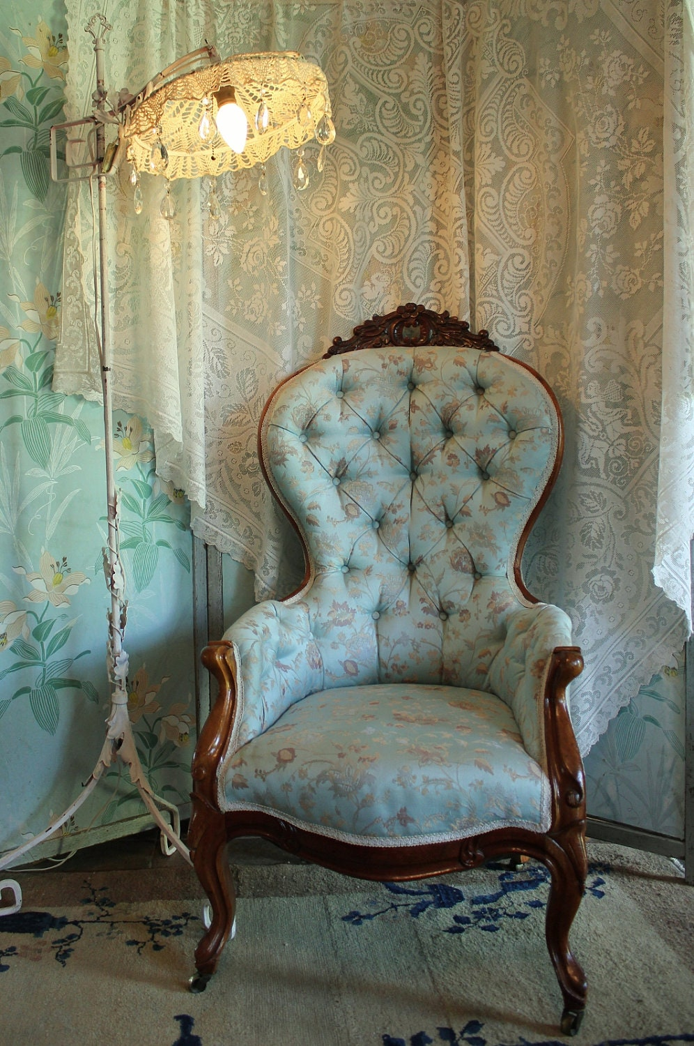 Antique Victorian Ladies Slipper Parlor Chair By