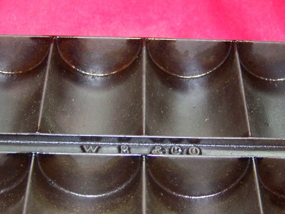 Wood and Bishop No. 15 Cast Iron French Roll Pan 0417