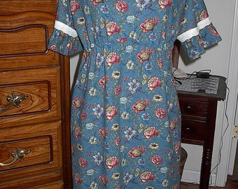 Blue Gypsy Floral above the Knee Dress Ladies Size Large 12-14