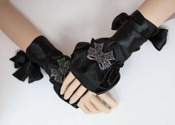 Cute Glamour black bow fingerless mittens gothic cuffs