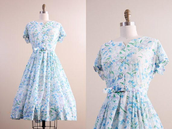 60s day dress / full skirt day dress  belted 1960s floral shirt waist dress size medium