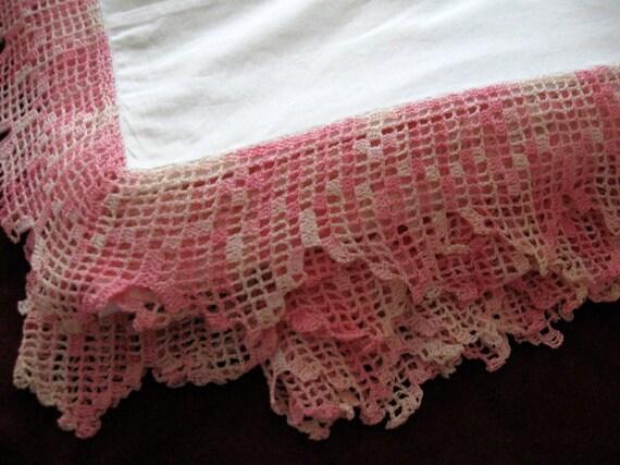 Vintage Sheet Pink Crocheted Lace Trim White Cotton Bedding