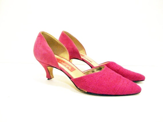 Size 6 Low heel HOT PINK  Pumps Shoes