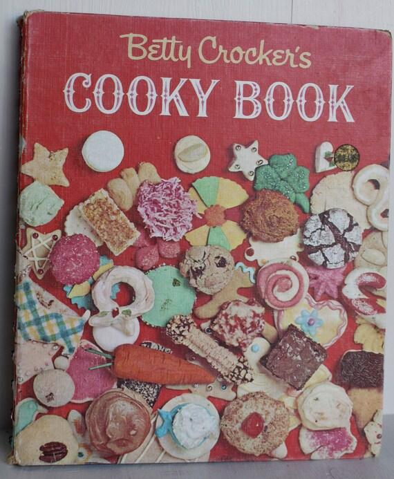 Vintage 1960's Betty Crocker Cookie Cookbook