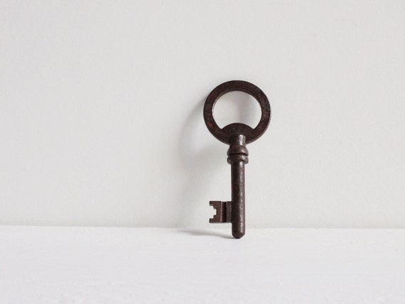 Beautiful vintage key, A rare skeleton key