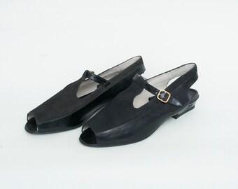 Size 6 or 6.5 Black slingback sandals leather Shoes peeptoe Dead Stock Vintage