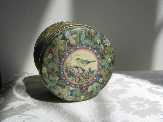 Vintage Blue Bird Tin Metal Container Woodlands Strawberries Green Leaves Nest Taiwan ROC