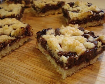 Raspberry Chocolate  Shortbread Bars