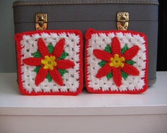 Christmas Holiday Poinsettias- 2 Pot Holders
