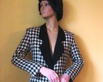 Sale 30% Off Vintage Black and White Hounds-tooth Jacket by Lilli Ann