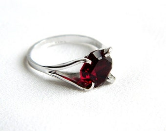 Vintage Red Garnet Solitaire Ring - Size  6 - January Birthstone - 1970 - NOS