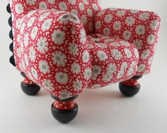 Red and White  Pincushion Chair