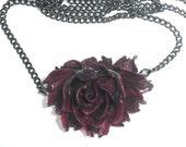 Dark Burgundy Rose Necklace - Steampunkitis