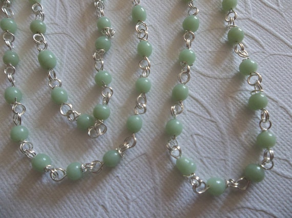 Opaque Pea Green Glass 4mm Beaded Linked Bead Silver Chain - Qty 1 meter (approx. 39 inches)