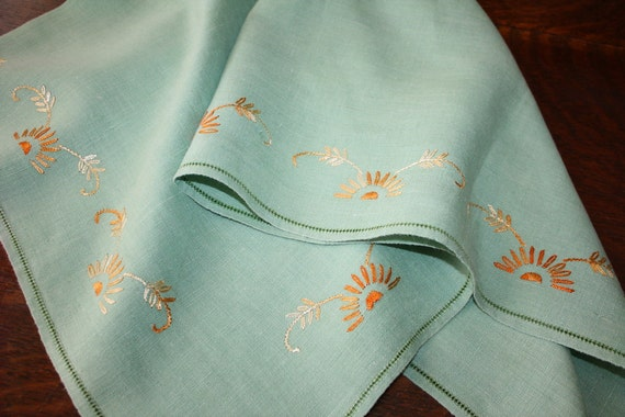 Vintage Linen Tablecloth Luncheon Cloth Jadeite Mint Green With Embroidered Daisies