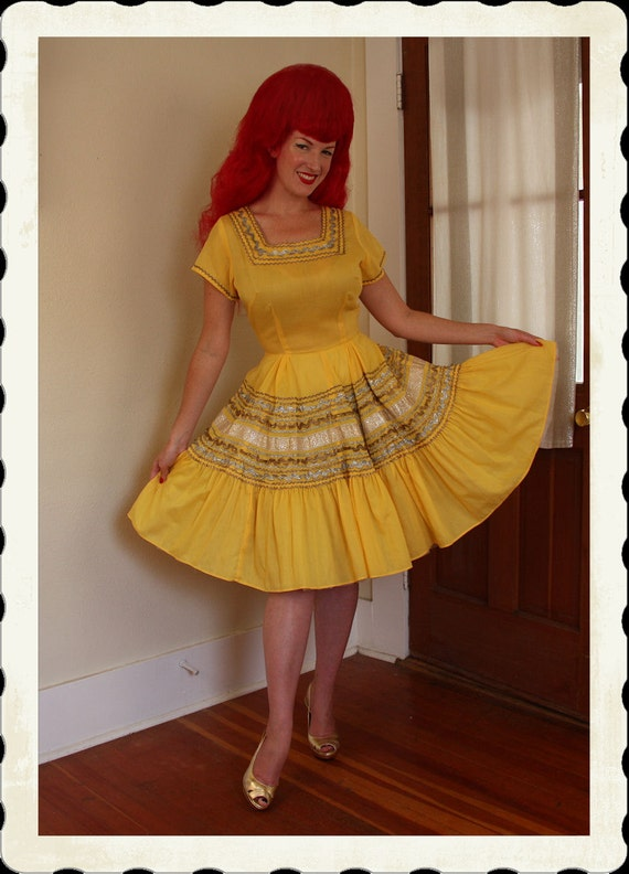 RESERVED 1950's Yellow Cotton New Look Western Squaw Patio Dress w/ Metallic Gold and Silver Rick Rack Trim - VLV - Rockabilly - Size L