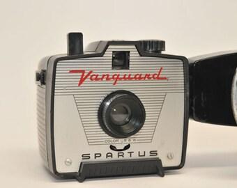 VINTAGE CAMERA, Black Spartus VANGUARD with Flash