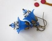 Vintage Style Lucite Flowers Earrings - Blue Bell