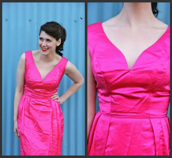 1950's. hollywood. hot pink. sweetheart bust. floor length. evening gown. Sz s/m.