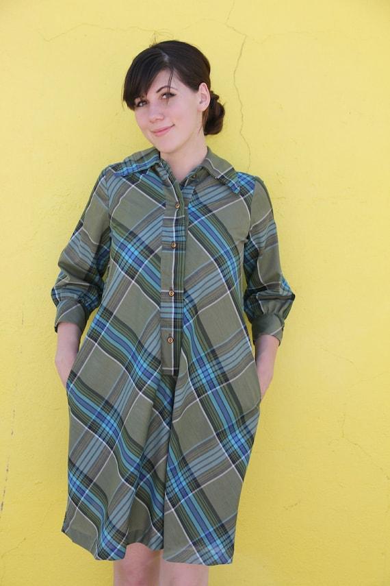 1950's. plaid. shirt dress. turquoise. forrest green. plus size. vintage dress. Sz l/xl.