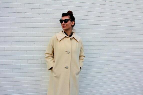 1950's. cream. button up. wool. vintage coat. Sz l/xl.