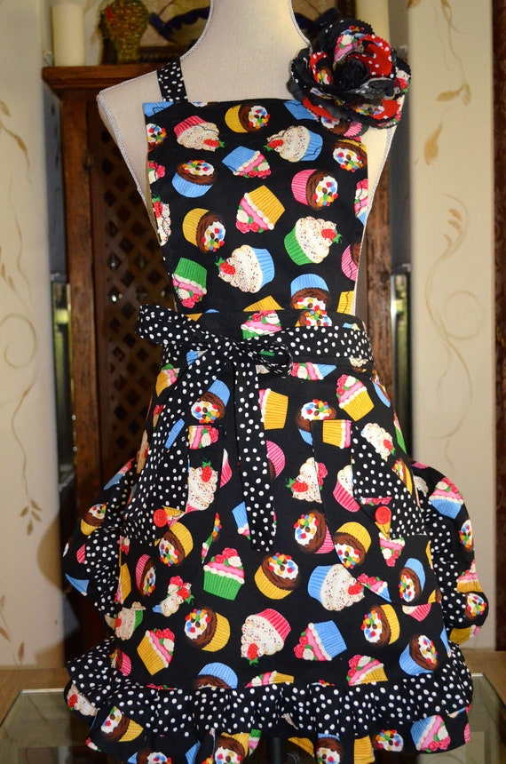 Retro 3 in 1 Apron Cupcake With Black White Polka Dot Print Full and Half Reversible Bib