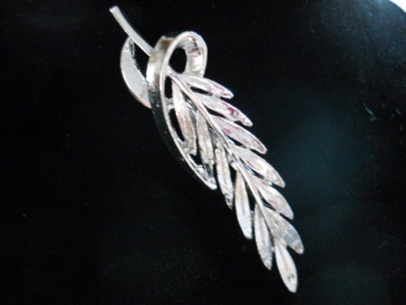 Silver Leaf Brooch - Vintage, Collectible