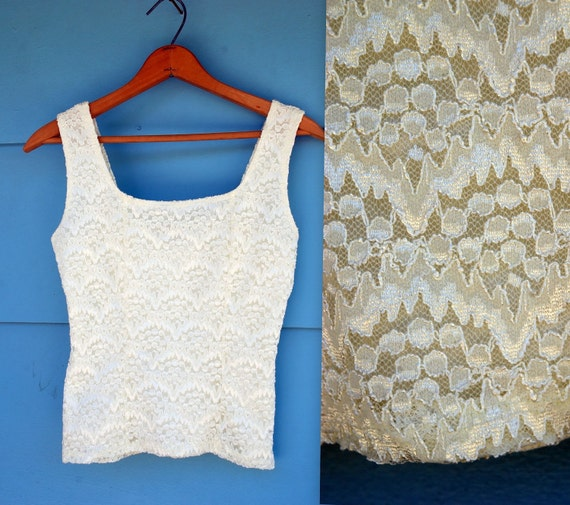 1990s. ivory lace tank top. s-m