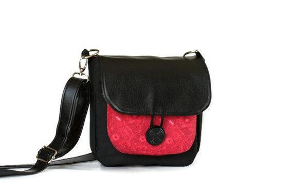 Cross Body Bag in Red & Black
