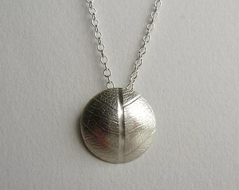 Silver leaf convex dome necklace