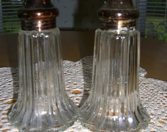 Vintage salt and pepper shakers  /  reduced was  12.00 now 10.00