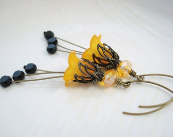 Lucite Flower Earrings, Golden Yellow and Black Flower Earrings, Antique Brass, Vintage Style, Sunflower Yellow